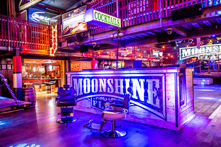 Moonshine+Flats+-+Venue+-+Entry